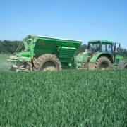 Die Digitalisierung in der Landwirtschaft bietet dem Landwirt die Chance, durch effektive Technik und fachkompetentes Personal eine Kostensenkung zu erreichen.